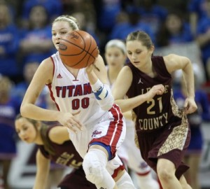 Emma Davis led a fast break for Mercer County, which rolled past Leslie County.